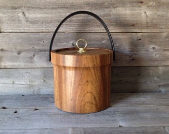 Vintage Woodgrain Vinyl Ice Bucket