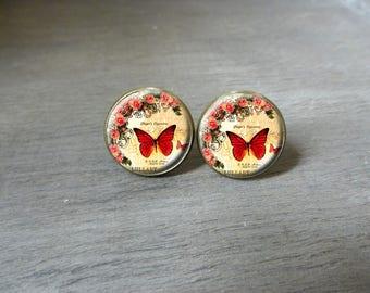 Boucles d'oreilles puces cabochon •Jolie papillon • Boucles d'oreilles rétro vintage, Boucles d'oreilles cabochon romantique