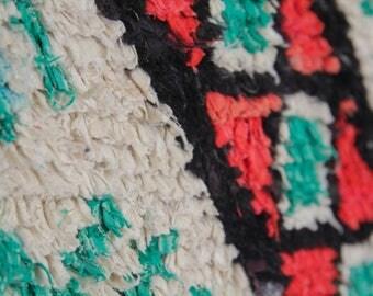 Boucherouite rug | Boucherouite | rag rug | berber rug | teppich | geometric rugs | Moroccan rug | colorful rug H66