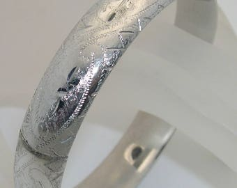 Vintage Eton Sterling Silver Hinged Bangle Bracelet With Decorative Etching