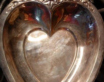 Laurel Mist heart shaped Silverplated dish