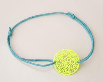 round bracelet waxed cotton and neon yellow filigree
