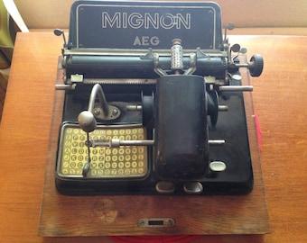 Vintage 1920's AEG Mignon typewriter. Collectables/Index typewriters/German made/20th century engineering/manufacturing/