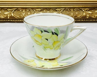 Phoenix Art Deco Teacup and saucer