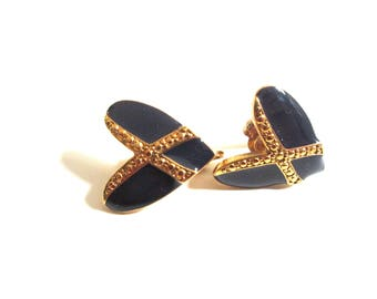Navy blue and goldtone heart vintage earrings,  Lightweight metal clip ons, Ladies Costume Jewelry, 1980