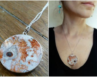 Mexican agate pendant necklace