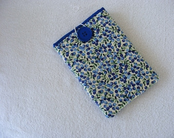 """CLEARANCE - Kindle Fire / IPad Mini / Nook Sleeve / Cover / Case, Vintage Blueberry Print 8"""" X 5 1/2"""""""