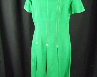 CHIC MOD 60's Bobbie Brooks Box Pleated Twiggy Sheath Dress, Green Linen Mod Midi Shift Dress With Box Pleats and Buttons, Size M