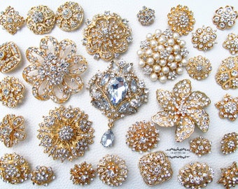 30 Gold Rhinestone Brooch Lot Assorted Wedding Bouquet Brooch Pearl Crystal Wholesale Mixed Button Pin Bridal Cake Sash Embellishment DIY