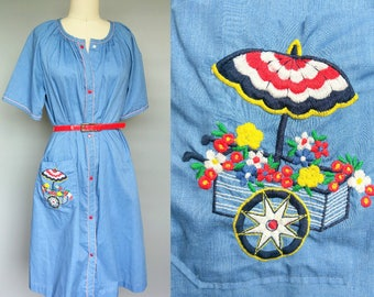 flower cart / 1960s blue cotton house dress / house coat duster / 16 18 large xl