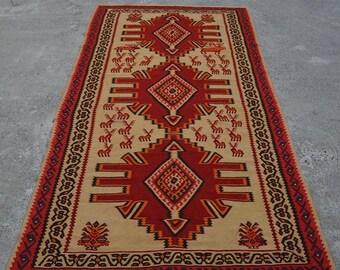 52% HOTSALE LA349, Handwoven Persian Shirazi Vintage Kilim 5' x 9'5, Turkish Antique Kilim Rug