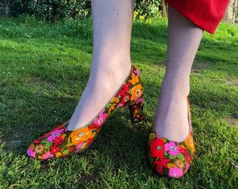 60s Floral Bullocks Wilshire Low Heels size 8 US