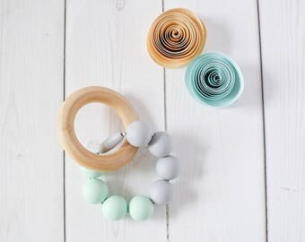Organic teething ring - Baby teething ring - Organic teether - Beaded teething ring - Sensory Toy - Baby shower gift - Gift for new mom