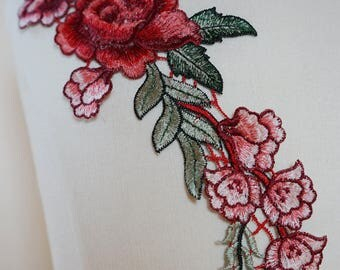 Applique sewing chest 11cmx28cm red rose flower