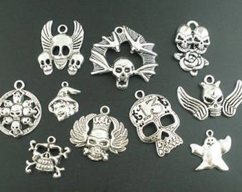 10 pendants mixed Halloween skull charms