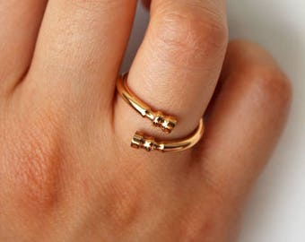 Rose Gold Horse Hoof Ring - Horseshoe Ring - gold horse ring - equestrian ring - horse lovers jewellery - horse lovers gift -horse ring gift