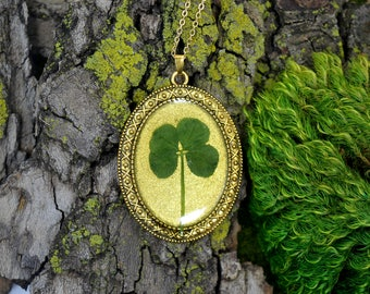 "ONLY 5 DOLLARS!! Genuine 4 Leaf Clover Necklace [BC 007] /Gold Tone 18"" Necklace / White Clover / Triforium Repens Clover / Good Luck Charm"