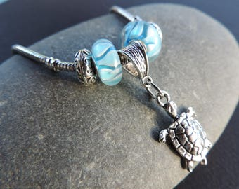 Turtle Charms bracelet blue beads