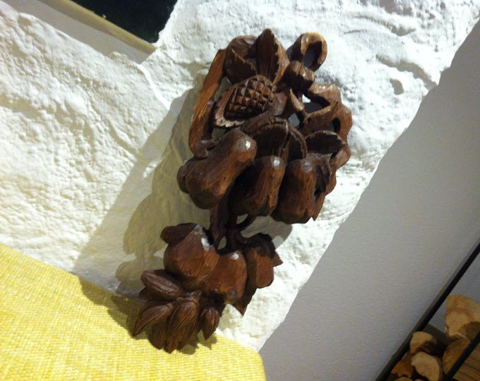 beautiful wood object Wood carved Wall deco antique, handcarved carving