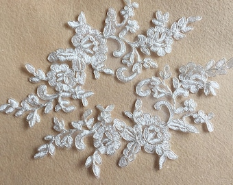 1 Pair Bridal Lace Applique Trim Appliques in Off-White for Weddings,Sashes,Veils,Headpieces, WL870