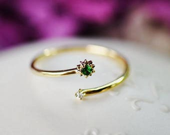 Diamond and Tsavorite ring in 18k Yellow Gold, Open ring