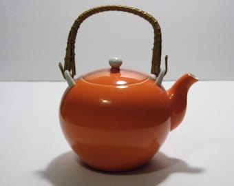 Retro Vintage Mod Orange Teapot - tea pot - Priority Shipping - See shop for more Awesome Teapots!