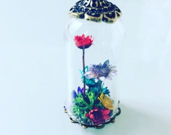 Nature pendant terrarium field of flowers