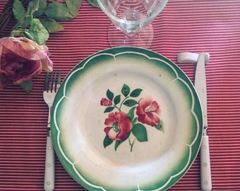 4 dinner plates Digoin Sarreguemines. 1940 s. Rose, green and white. Table art. Model MIREILLE. Old dishes.