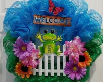 Summer Frog Welcome Wreath
