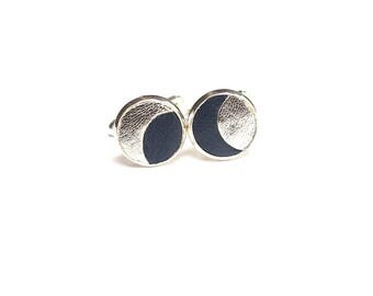 """Onwa"" cuff links"