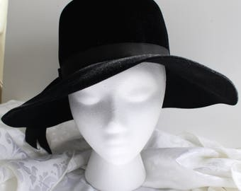 Vintage Slouch Black Velour Hat with Ribbon 1970s