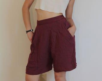 High waist dark pink shorts, wide leg, two pockets, side zipper, 1960s handmade, small, gaucho shorts, loose leg shorts
