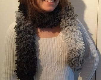 Scarf - Boa - black to white in acrylic and wool