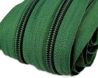 6m of endless zipper 5mm with 15 zippers and tails 272 FIR Green