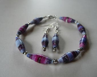 Bracelet and ear pendant made of paper beads