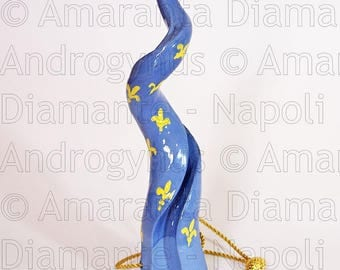 Androgynus Horn with bourbon lily decoration (18 cm)
