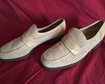 Vintage Hush Puppies suede shoes