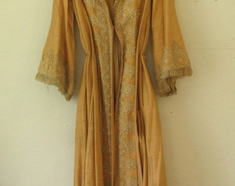 vintage 1970's dressing gown