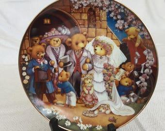 Decorative Teddy Bear Wedding  by Carol Lawson Limited Edition  Franklin Mint Collectible