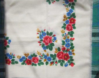 Soviet Vintage Ukrainian shawl, Russian shawl, Wool floral scarf, shawl, Floral scarf, made in USSR,white Wool scarf
