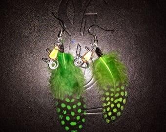 Dangle earring green feather