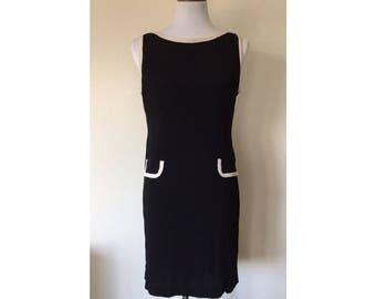 Classic '60s Black and White Shift Dress
