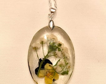 Viola and white flower pendant, resin jewelry, botanical jewelry, pressed flower jewelry, sterling silver jewelry