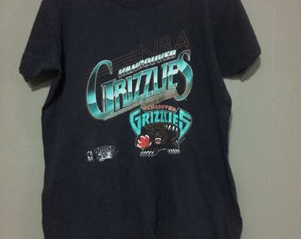 1994 Vancouver grizzlies tshirt size youth medium