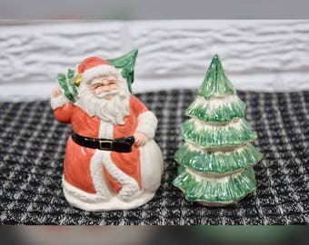 Vtg 1989 OCI Santa Christmas Tree Salt & Pepper Shakers