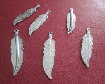 2 large charms silver metal feather 45 x 11 mm