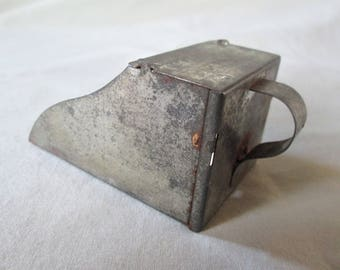 1940s Primitive Tin Flour Scoop Vintage Kitchen Gadget Tin Handle