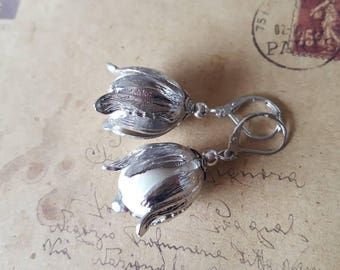 Mother of pearl flowers-Ohhänger ~ Silver Colour ~