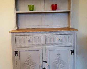Beautiful Oak Welsh dresser cabinet 3 Feet