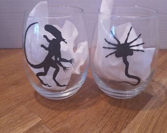 Alien facehugger wine glass set